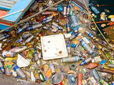 Garbage around Malé harbour