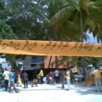 Police arrest six protesters from Kudahuvadhoo during President's visit