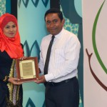 President Yameen presents 'Rehendi Awards'