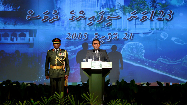 President calls on army to defend government as international pressure increases