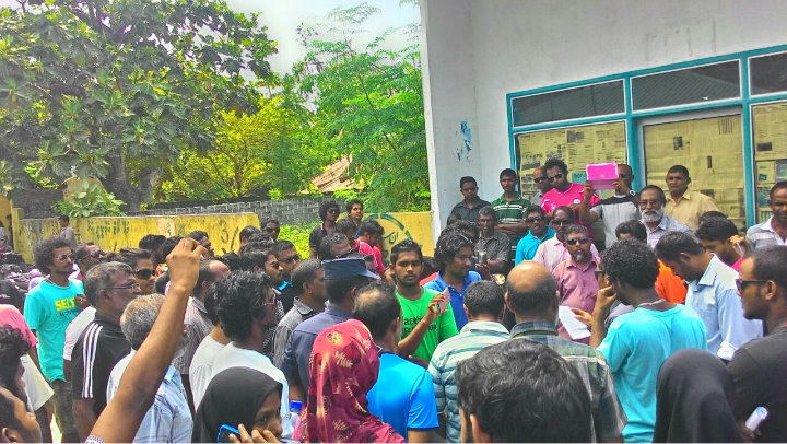 Businesses around Maldives protest electricity subsidy cut