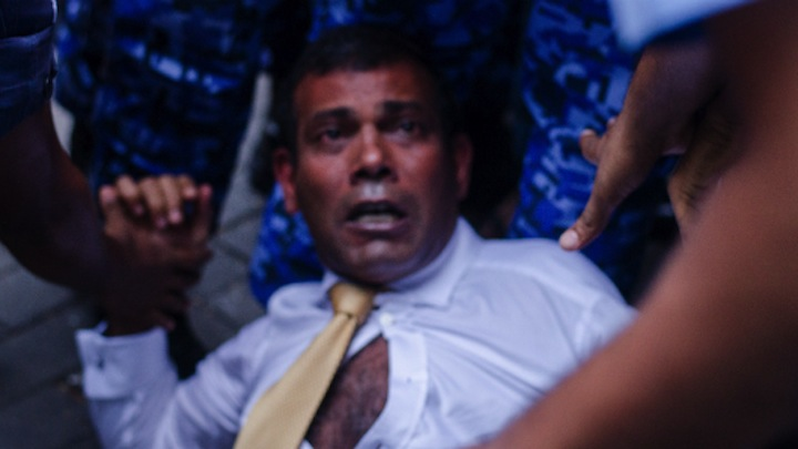Police cleared of wrongdoing in manhandling ex-president